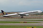 Boeing 777-312 (9V-SYJ)