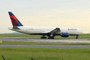 Boeing 777-232/ER - N867DA