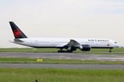 Boeing 777-333/ER (C-FJZS)