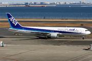 Boeing 767-381 (JA8568)
