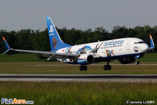 Boeing 737-8HC (SunExpress)