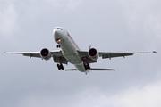 Boeing 777-312/ER (9V-SWP)