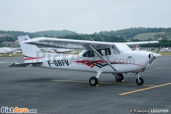 Cessna 172N Skyhawk (Private/Privé)