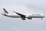 Boeing 777-328/ER - F-GZNB