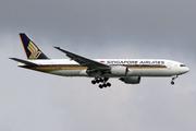 Boeing 777-212/ER - 9V-SRQ