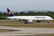 Boeing 777-FBT (D-ALFC)