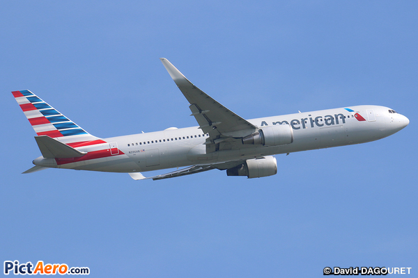Boeing 767-323/ER (American Airlines)