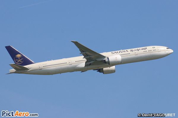 Boeing 777-368/ER (Saudi Arabian Airlines)