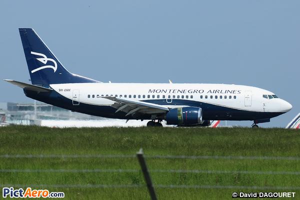 Boeing 737-505 (Montenegro Airlines)