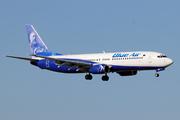 Boeing 737-883 (YR-BMP)