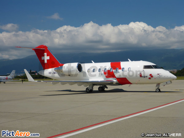 Canadair CL600-2B16 Challenger 650 (REGA - Swiss Air Ambulance)