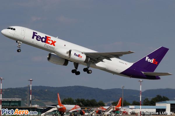 Boeing 757-236 (FedEx Express)