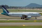 Airbus A320-233 (9V-SLQ)