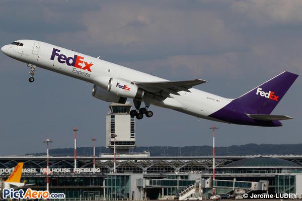 Boeing 757-236/SF (FedEx Express)