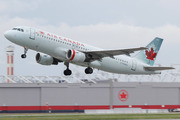 Airbus A320-211 (C-FDQQ)