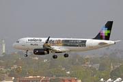 Airbus A320-233/SL (XA-VOY)
