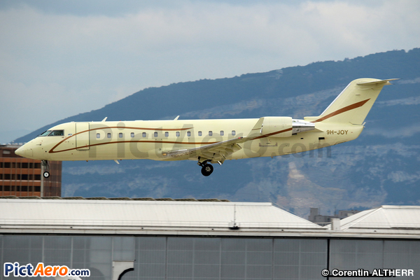 Bombardier CRJ-200ER (AirX Charter)