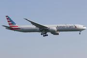 Boeing 777-323/ER (N720AN)