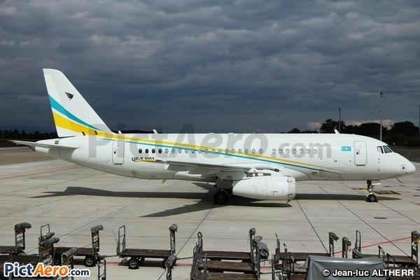 Sukhoï Superj Jet 100-95LR (Comlux Kazakhstan)