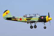 Yakovlev Yak-52 (F-WRUI)