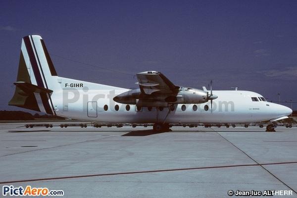 Fairchild F-27J (Uni Air)