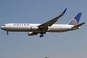 Boeing 767-322/ER (N641UA)