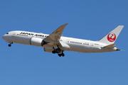 Boeing 787-8 Dreamliner (JA845J)
