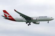 Airbus A330-202 (VH-EBO)