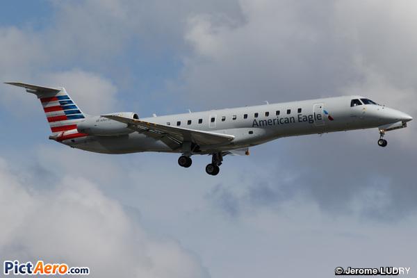Embraer ERJ-140LR (American Eagle (Envoy))
