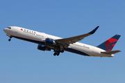 Boeing 767-332/ER (N176DN)