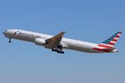 Boeing 777-323/ER (N733AR)