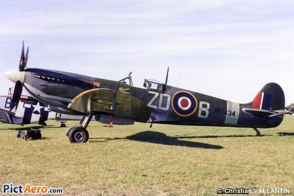 Supermarine Spitfire MkIXB (Old Flying Machine Company)