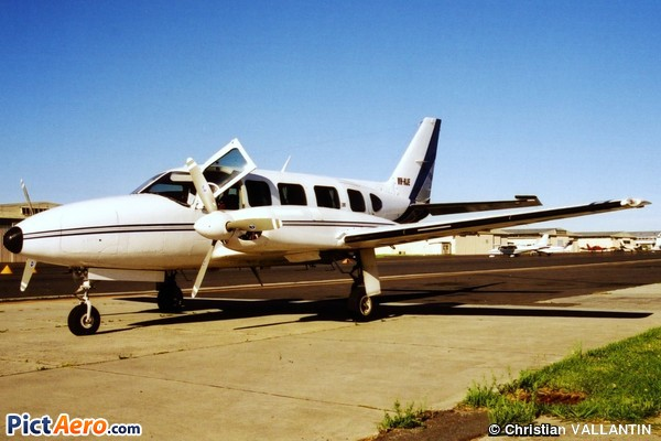 Piper PA-31-350 Navajo Chieftain (Airmed Australia)