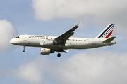 Airbus A320-214/SL (F-HEPK)