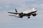 Boeing 777-333/ER (C-FITL)