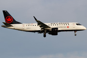 Embraer ERJ-175LR (ERJ-170-200 LR) (C-FRQW)