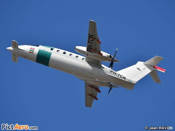 Piaggio P-180 Avanti (PRIVATE)