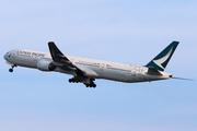 Boeing 777-367 (B-HNK)