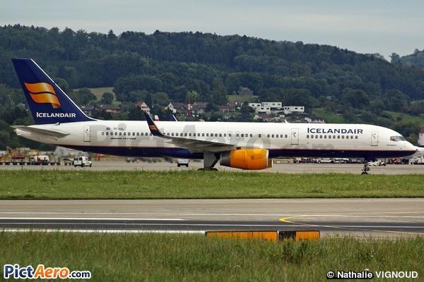 Boeing 757-223/WL (Icelandair)