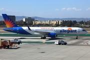 Boeing 757-204/WL (N905NV)