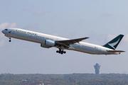 Boeing 777-367 (B-HNM)