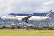 Boeing 777-328/ER - F-GSQT