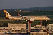 Boeing 787-9 Dreamliner (A6-BLI)