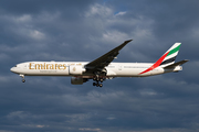 Boeing 777-31H/ER (A6-EQJ)