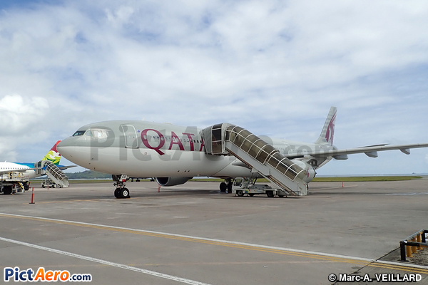 Airbus A330-302 (Qatar Airways)