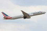 Boeing 777-323/ER (N727AN)