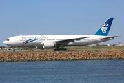 Boeing 777-219/ER (ZK-OKG)