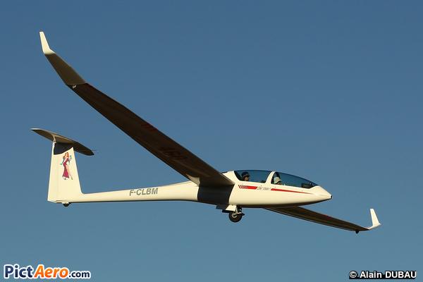 DG-Flugzeugbau DG-1000 (Aéroclub de Romanin)