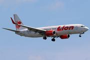 Boeing 737-8GP/WL (PK-LOG)
