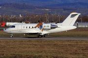 Canadair CL-600-2B16 Challenger 605 (9H-SIS)